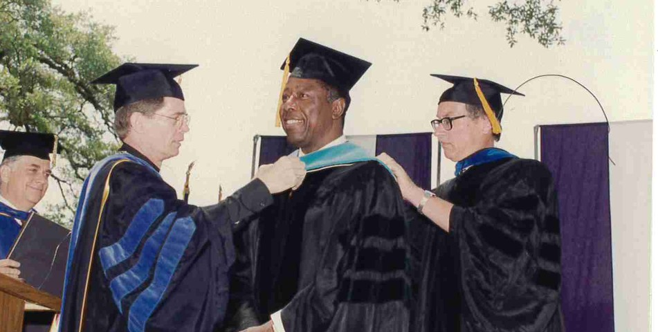 : Hank Aaron Received Honorary Degree from SHC in 1992